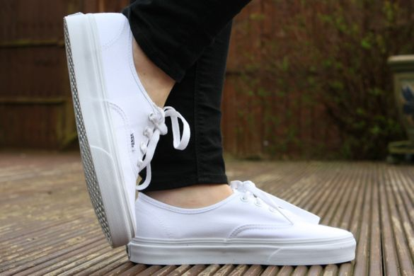 фото Белые кеды Vans Authentic True White